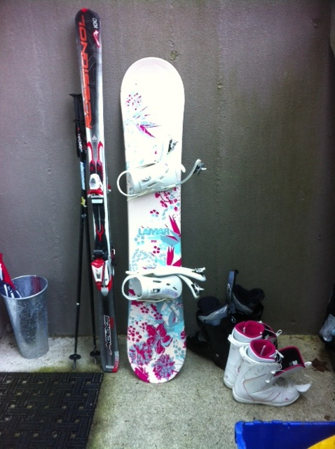 skis snowboard